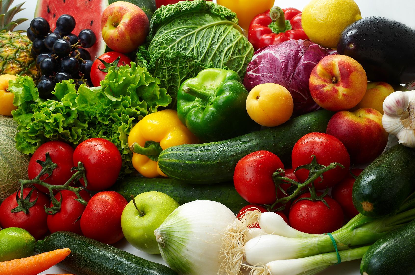 Artikelgebend ist der Ernährungstrend Raw Food.
