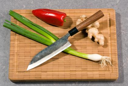Messer mit Gemüse