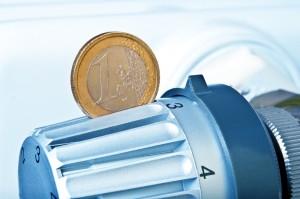Euromünze im Heizungsgriff