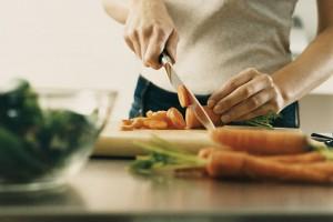 Kalorien aus der Kantine? So ernährt man sich im Büro gesund